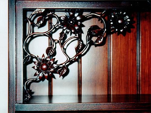 Plate Rack Dresser detail