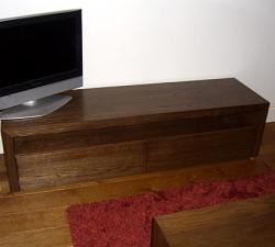 Small Oak Veneered TV unit