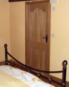 Internal Doors - Solid Oak Door & Architrave